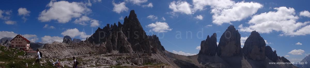Dal rifugio Locatelli vista sulle Tre cime di Lavaredo e Monte Paterno